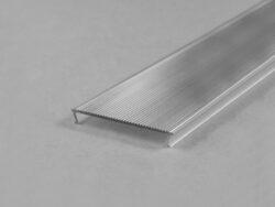 Difuzor WIRELI C10B KLIP ČIRÝ (ŠIROKÝ ÚHEL), 2m (metráž)-Difuzor s úzkým vyzařovacím úhlem pro profily PHIL, LOWI, MULTI
